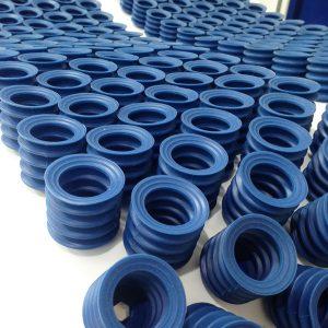 Suction Cups On Depanner Belt 300x300 - قاپک یا ساکشن پد- همه آنچه که درباره قاپک وکیوم باید بدانید